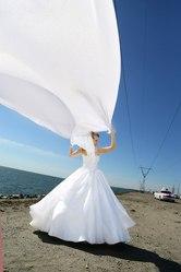 Продам пышное свадебное платье.Цена 10000 т.р. Возможен торг.